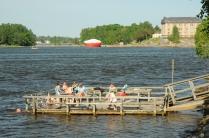Helsinki: Badeplattform in der Stadt