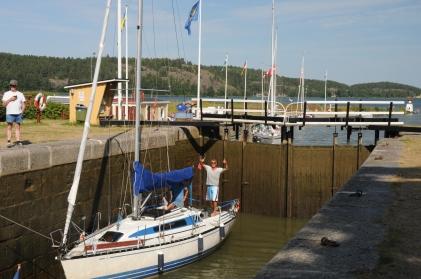 Unsere erste Schleuse im Göta-Kanal