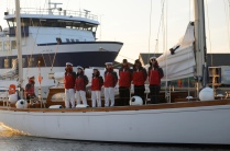 Die dänische Marineschule kommt mit zwei Schiffen in den Hafen