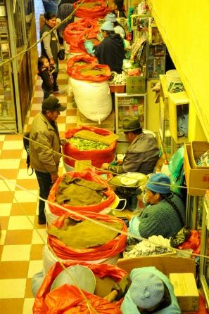 Kokablätter-Verkauf in Potosi