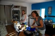 Wir kochen gemeinsam in der Küche...