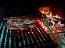 Asado: Der Klassiker in Argentinien. Viel Fleisch!