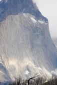 Steile und gewaltige Felswände