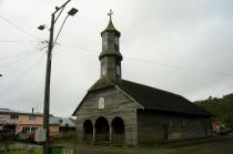 Von diesen Holzkirchen gibt es auf Chiloé jede Menge...