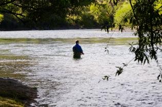 Mal für ein Stündchen ins Wasser und ne Forelle fangen