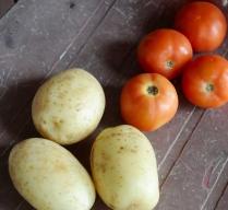 15 Dollar, umgerechnet 10,50 Euro für vier Tomaten und drei Kartoffeln.