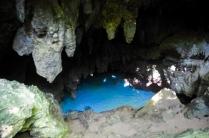 """Wir baden in der """"Grotto"""", einer kleinen Höhle."""