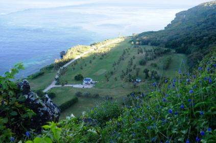 Der 9-Loch Golfplatz von Christmas Island vom Aussichtspunkt.