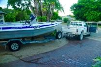 Wir ziehen das Boot Sonntagmorgen um 7.00 Uhr zur Bootsrampe.