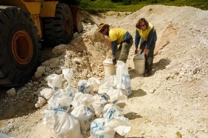 Für die Vorbereitung der Auswilderung brauchen wir Sand.