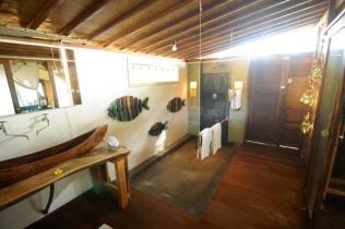 Das Bad im kleinen Zelt