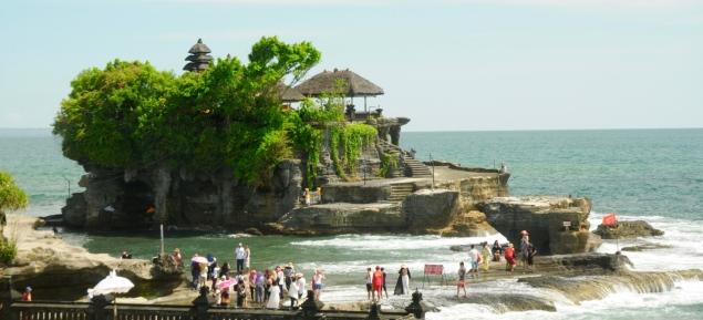 Der Tempel Tanah Lot ist ein Touristenmagnet