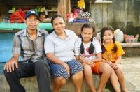 Putu und seine Familie