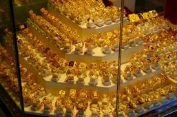 Die Inder lieben gelbes Gelbgold.