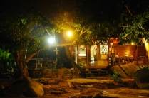 Wir essen zu Abend im Restaurant am Mira Beach