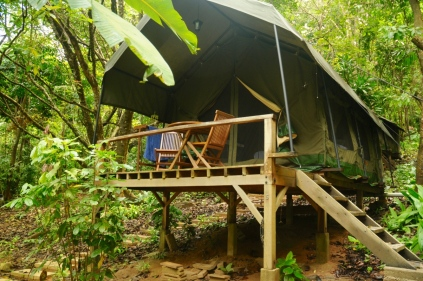 """Glamping"" bei den Crocodile Rock Villas"